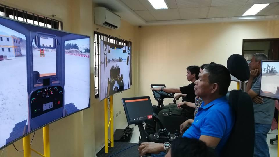 2-ulticon-builders-acreos-simulators-charlie-carlos-lisandro-gonzalez-davao